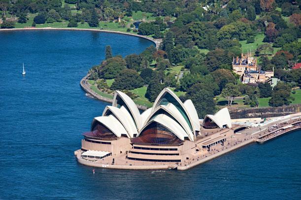 sydney opera house walk