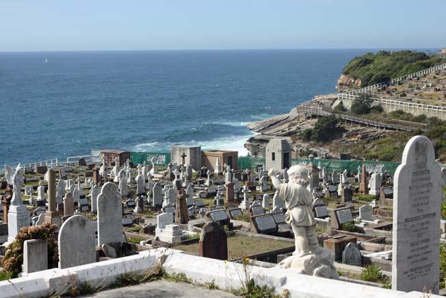 bondi cemetery tour